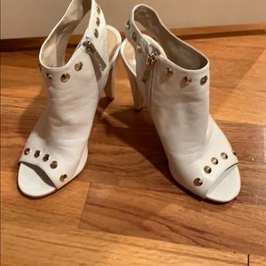 Vince Camuto white heels